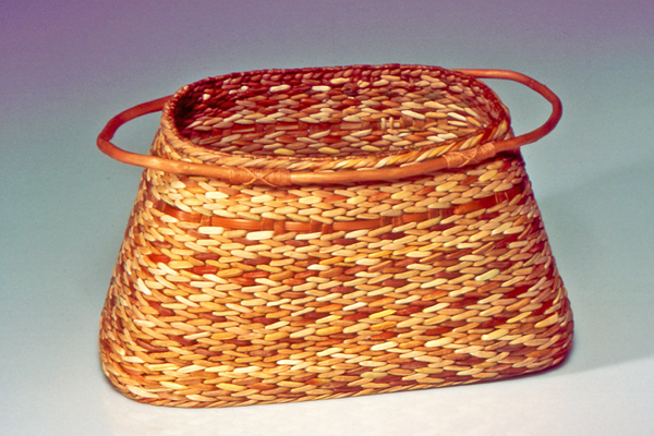 2002 – Entwined Vessel with Root Side Handles has won the Handweavers Guild of America Award at Convergence 2002 in Vancouver, BC!