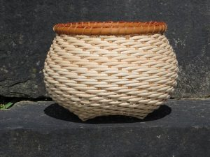 Twill Woven Cat's Head Basket